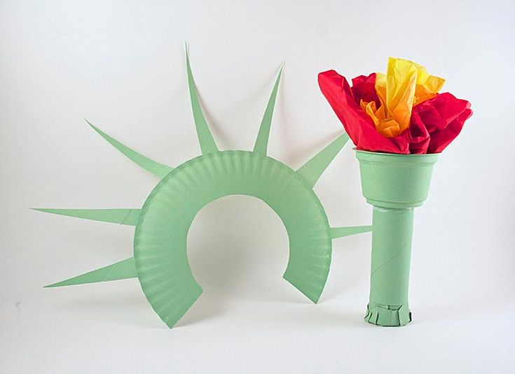 DIY Children's : DIY Statue of Liberty Crown and Torch Noise Maker