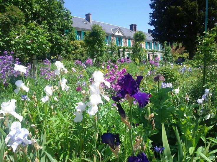 A casa onde viveu Claude Monet em Giverny, França.