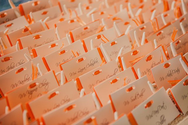 Orange summer wedding ideas / Ever After Events - Place Card - Reserva de mesa