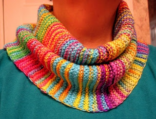 Free Pattern for Simon Cowl, with instructions for short rows.