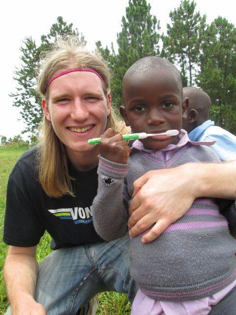 Måske var det dig, der skulle være volontør? Der er mange dejlige børn, der venter på dig!  www.afrikaintouch.dk #MushembaFoundation #Tanzania #Afrika #Africa #Volunteer #Volontør