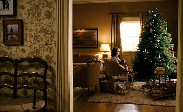 The Family Stone movie house Diane Keaton Christmas tree. I LOVE this houses interior.