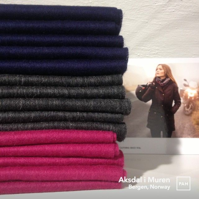Plain Lambswool Scarfs by Barbour @ Aksdal i Muren. #barbour #lambswool #scarf in #navy #charchoal and #juniper perfect for #fall #winter #supersoft #tassledfringe #barbourshield #madeinscotland #womensfashion #womenswear #mensfashion #menswear #unisex  #aksdalimuren #pamapp #bergen #norway