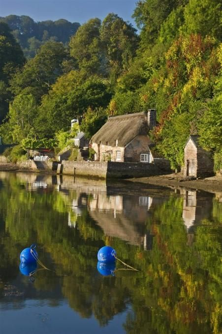 Autumn getaways? Smuggler's Cottage | Dittisham | Toad Hall Cottages