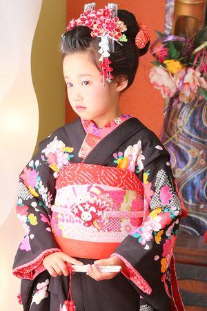 ホワイトベル豊橋 七五三 日本髪 Kimono children