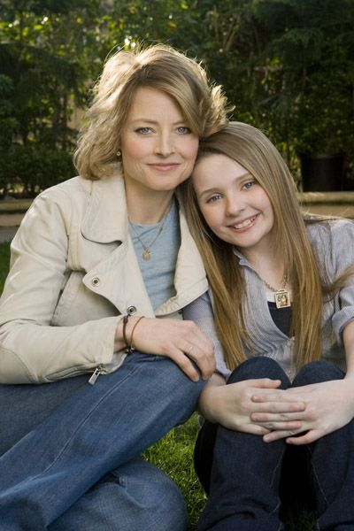 Abigail Breslin and Jodie Foster