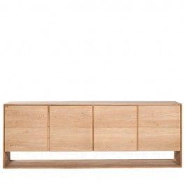 Het Nordic Dressoir van Ethnicraft is een prachtig strak belijnd dressoir. De Nordic serie is vervaardigd van volledig massief eiken waardoor de meubelen een karakteristieke en rustieke uitstraling krijgen.  Kenmerkend aan de Nordic serie zijn de fijne belijning gecombineerd met het prachtige massieve eiken.  Ligna Dressoir is in verschillende uitvoeringen verkrijgbaar:  - 2 deuren: 80 x 78 x 45 cm.  - 3 deuren: 158 x 78 x 45 cm.  - 4 deuren: 210 x 78 x 45 cm.