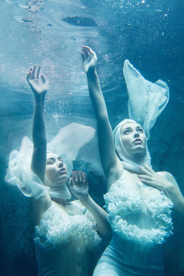 Underwater Dancing Photography-6 – Fubiz™