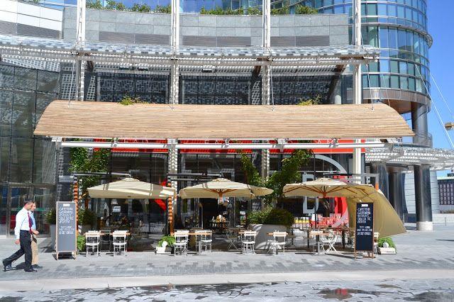 S'Notes: Feltrinelli RED - Read Eat Dream   Feltrinelli RED piazza Gae Aulenti, Milano Orari: nei giorni feriali dalle 7:30 alle 23, nel week end dalle 10 alle 24 Free wifi  Libreria dove si puà anche mangiare