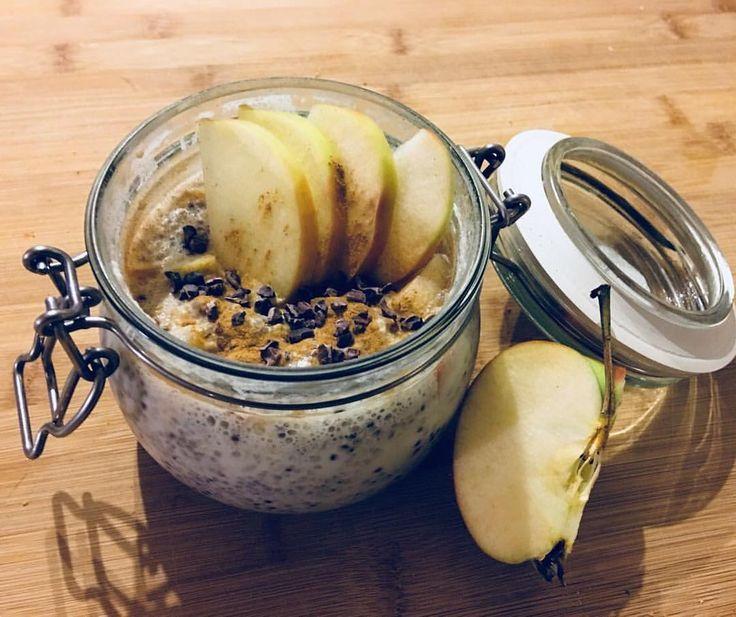 Morgens nicht viel Zeit zum Frühstück vorbereiten? Dann mach es doch einfach wie unsere Teilnehmerin @caro.0383. Diesen Quinoa-Chia-Pudding kannst Du nämlich über Nacht im Kühlschrank lagern und musst Du am nächsten Morgen nur noch mit Früchten Deiner Wahl garnieren. Du möchtest auch endlich Deine Problemzonen zum Schmelzen bringen, aber hast weder Lust darauf Kalorien zu zählen, noch möchtest Du auf Süßes verzichten? Dann geh jetzt auf www.mybodyartist.de und hol Dir jetzt unser Bikinibo...