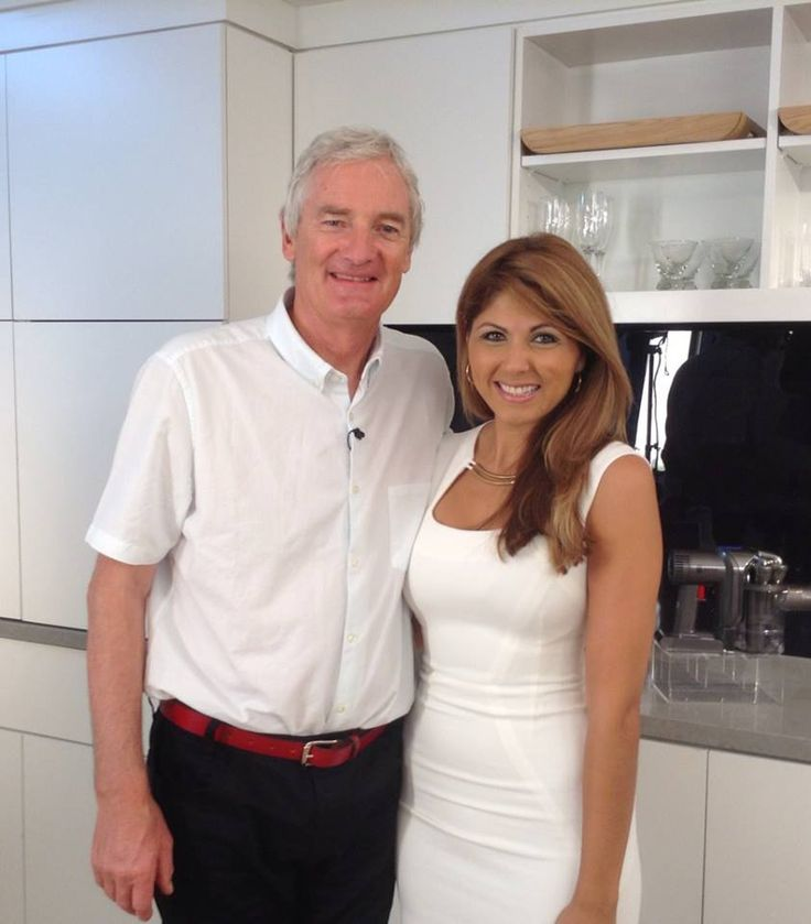Qvc Host Suzy Traynor With James Dyson Inventor Of The