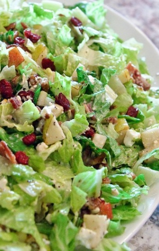 Autumn Chopped Salad: lettuce, baby spring spring mix, pears, cranberries, sugared pecans, bacon, feta, poppy seed dressing...delish!