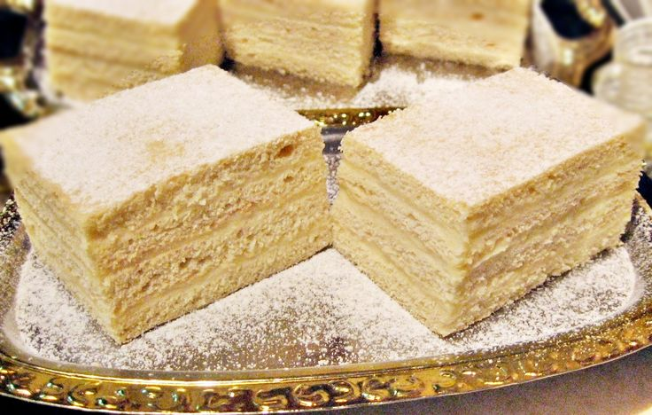 Prajitura cu crema de vanilie si frisca