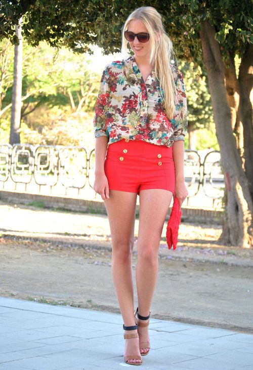 Red and flowers  , Zara en Pantalones cortos, romwe en Camisas / Blusas, Zara en Tacones / Plataformas, H en Clutches_by deardiary