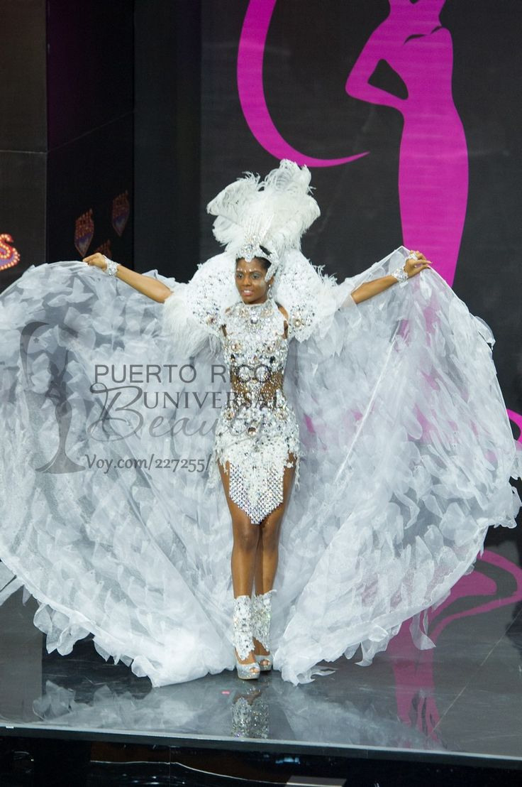 Vaumara Rebelo, Miss Universe Angola 2013, models in the National Costume contest at Vegas Mall on November 3, 2013.   #MissUniverse2013 #MissUniverse #MissUniverso2013 #MissUniverso #Russia #Moscow #Rusia #Moscú #NationalCostume #MissAngola #VaumaraRebelo