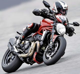 2016 Ducati Monster 1200 R Review, Is the Ducati 1200 R the Monster we feared all along ?
