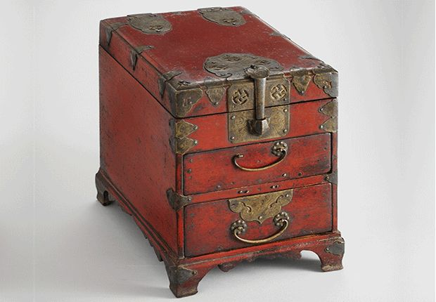 Red-lacquered Comb Box | Late Joseon | Seok Juseon Memorial Museum, Dankook University