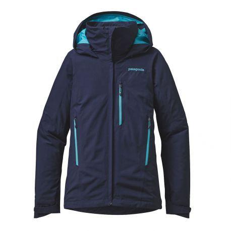 Prête à tout !  100 % imperméable, confortable et robuste, la veste femme Piolet Jacket en Gore-Tex® de Patagonia® est conçue pour vous suivre dans toutes vos aventures de plein air.