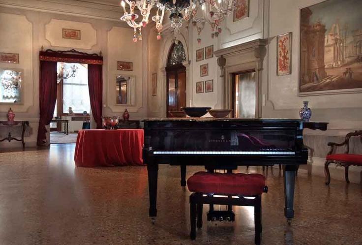 The exclusive Ca' Cerchieri Piano Nobile with Steinway Grand set the scene