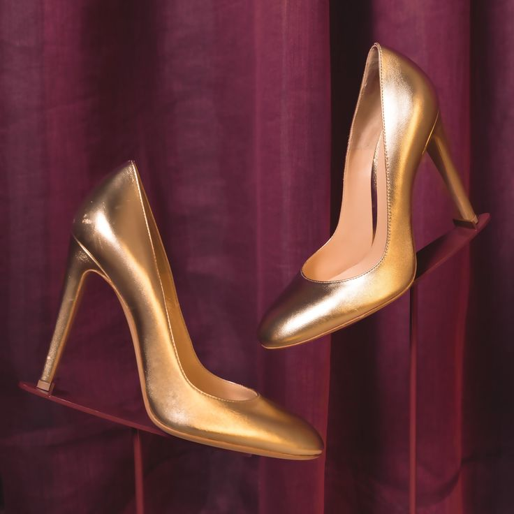 The Carla in gold leather