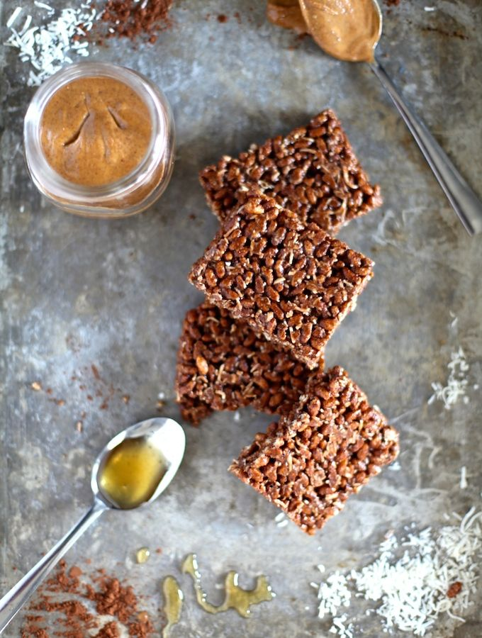 Healthy Cocoa Rice Crispy Squares via Nutritionist in the Kitch // 6-Ingredients, nothing refined, gluten free, healthy squares! What's not to love? // nutritionistinthekitch.com