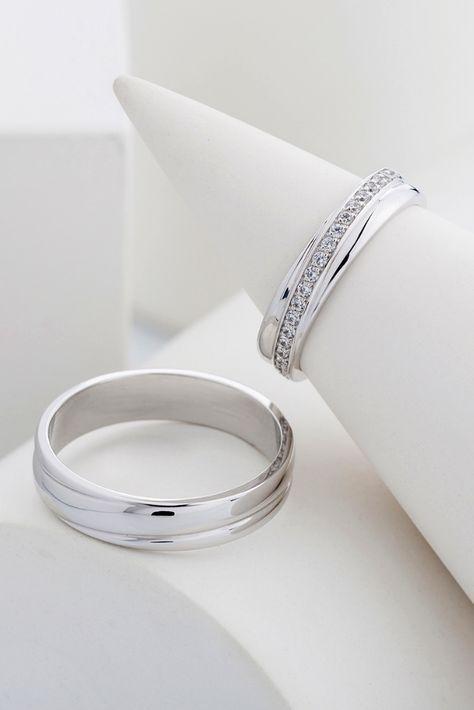 Gold wedding bands. Wedding rings. Matching wedding bands. His and hers wedding bands. Couple rings. Mens wedding band. Womens wedding band