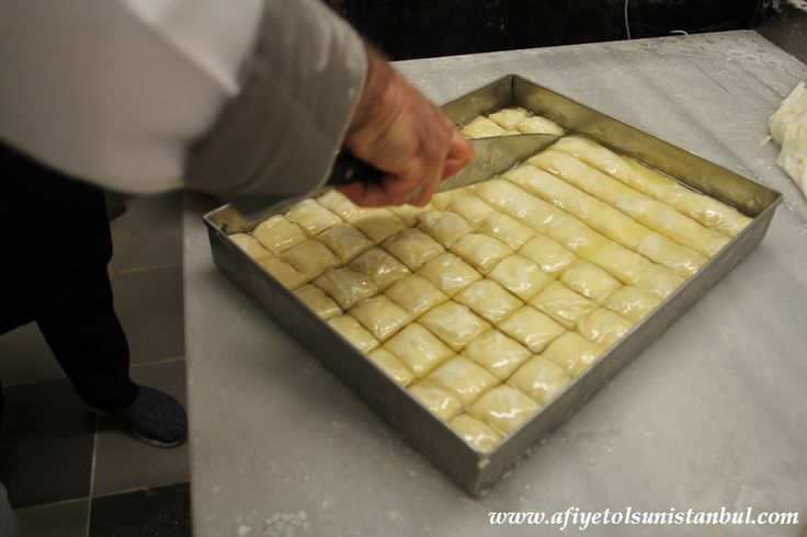 http://www.afiyetolsunistanbul.com/index.php/turkish-cooking-workshops/turiksh-baklava-workshops