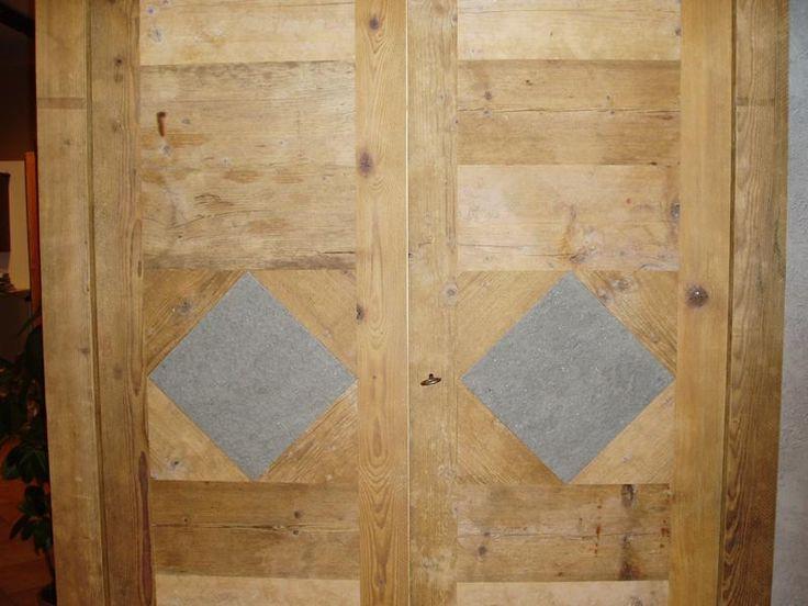 falegnameria bensi...armadio/dispensa in abete antico prima patina con inserti in pietra
