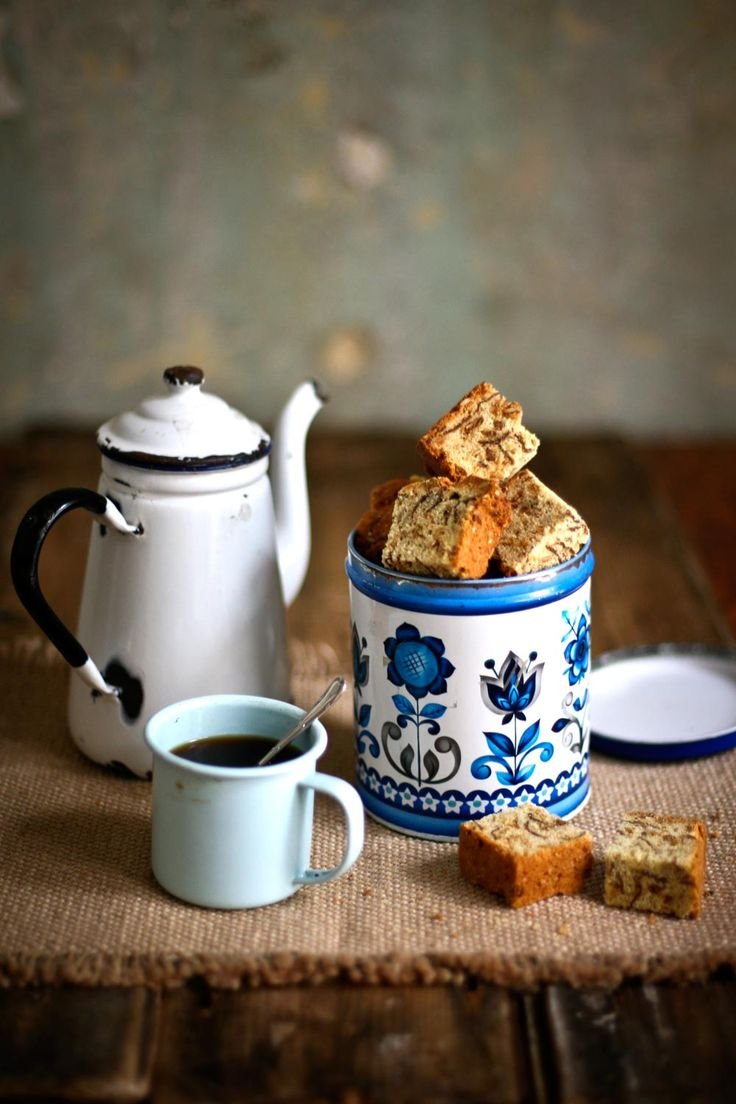 Who doesn't love a good rusk with your cup of tea in the morning. This recipe for muesli rusks is sure to satisfy.