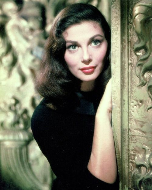 Pier Angeli amazing cheek bones.