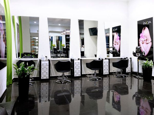 Beauty salon interior design k rkimi google keep the for Hair salon interior design photo
