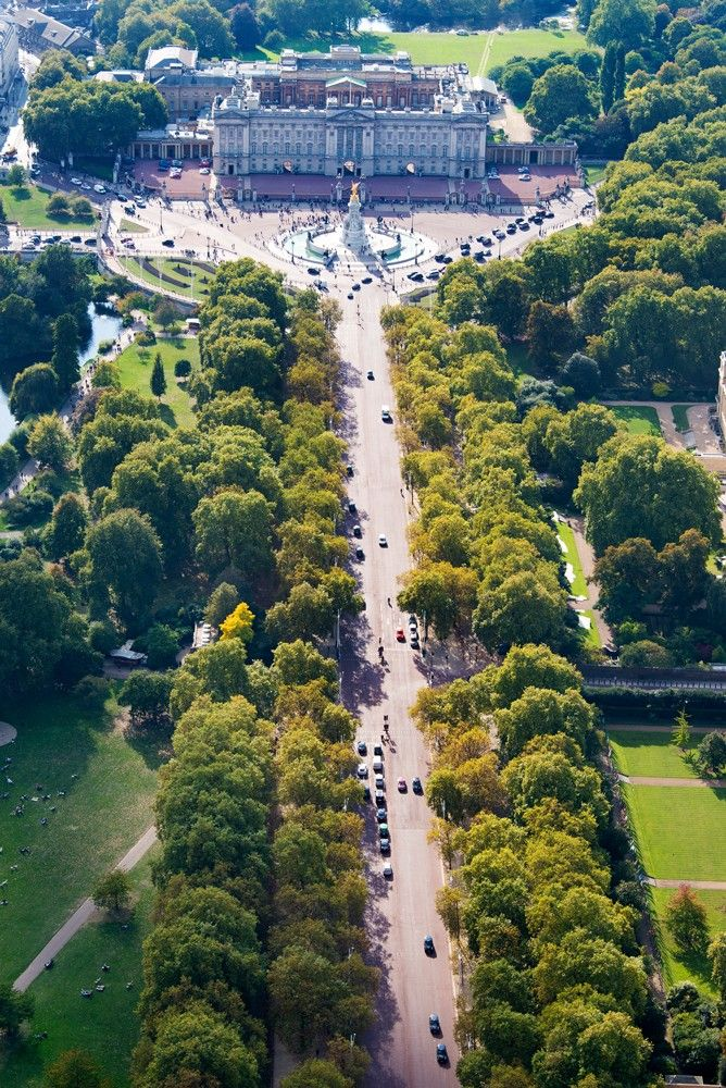 The Mall and Buckingham Palace - London, UK -- I've walked this; didn't seem as long as it looks here