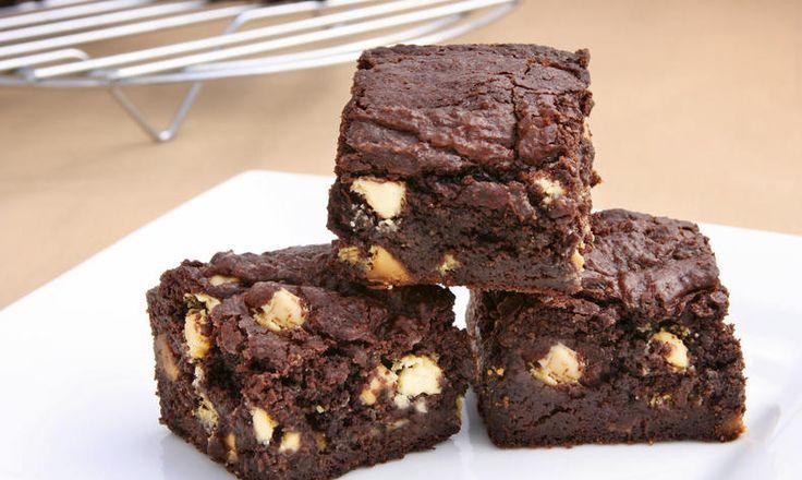 Chcete mlsat, ale zdravě a dietně? Zkuste brownies z cizrnové mouky. Tesco recepty - čerstvá inspirace.