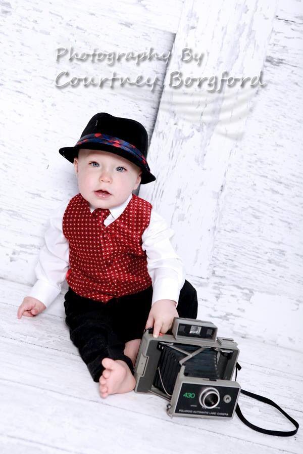 A kid after my own heart with the camera! Hahaha I love everything about this!!
