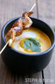 stephatable: Velouté de carottes au lait de coco et coriandre fraîche, brochettes de poulet marinées au miel et citron