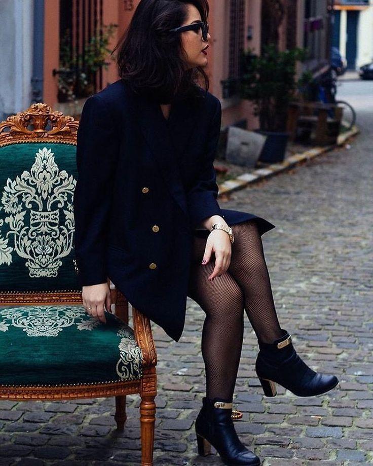 """""""blazering"""" by Franthesca from #Brussels #Belgium """"O truque de usar uma peça pesada e masculina, contrastando com uma meia calça arrastão + bota de salto confortável."""" More details: lookbook.nu/user/6063039  #lookbook #ootd #style #fashion"""