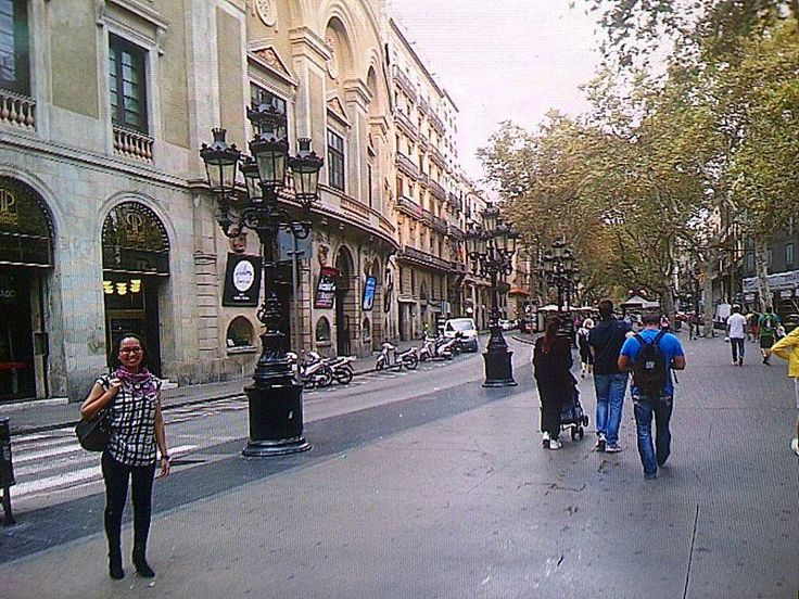 "kak Sinta  ""Ola from La Rambla, Barcelona ! Akhirnyaa..dapet wifi di.... McD ""  #OriflameID #GoldCruiseORIFLAME2014 #dBCNatGoldCruise"