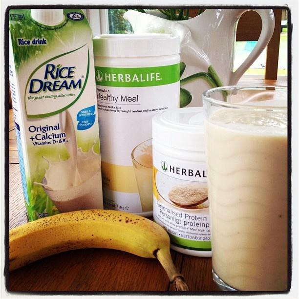 Breakfast Herbalife Vanilla Formula 1 Shake With Banana And Rice Milk Dairyfreedream