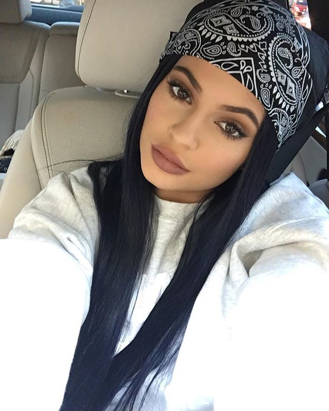 Pin for Later: Kylie Jenner's Moody New Hair Color Is Our Favorite Shade Yet