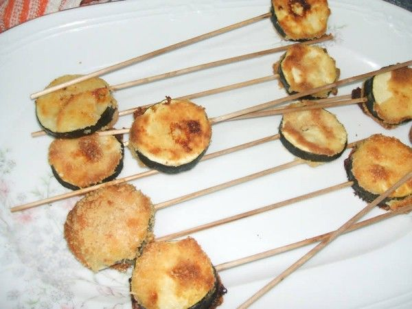 Receta de piruletas de calabacín rebozadas | Recetas para niños