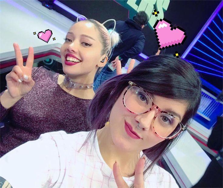 Una nueva semana junto a @foxsports_chile en #foxplayers! ⭐️ @tabatha.pacer y @icata 💜 Son geniales y un amor estas chicas. 😌🙌💕
