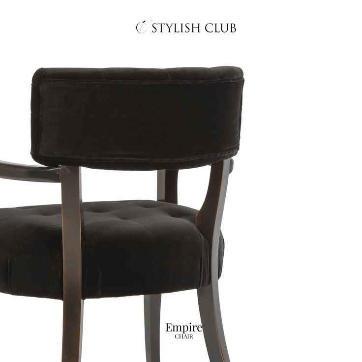 Perfect for year-round use, let it bring versatile style to any space throughout the seasons. A padded seat and backrest mean the dining experience is as comfortable as it stylish.