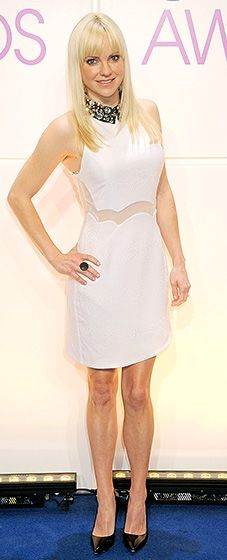Anna Faris looked white hot in a body-skimming cocktail dress with sheer inserts and a bejeweled collar.