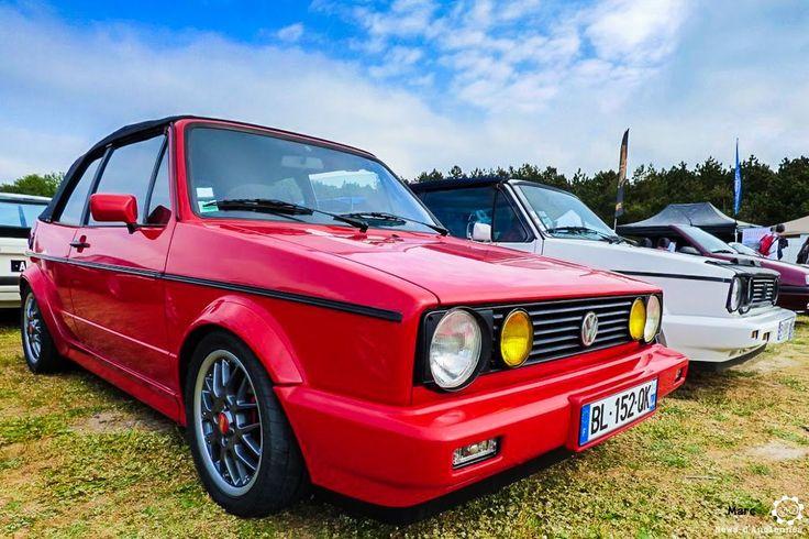 #Volkswagen #Golf #Cabriolet à Vintage Heroes. #MoteuràSouvenirs Reportage complet : http://newsdanciennes.com/2016/05/18/youngs-folie-vintage-heroes-2016/ #ClassicCar
