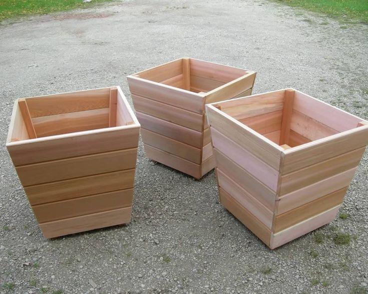 Red Cedar Planter | Garden Furniture | Buy Quality Handmade Planters/Tubs | F Chaffin - Worksop Garden Furniture Manufacturer (UK)