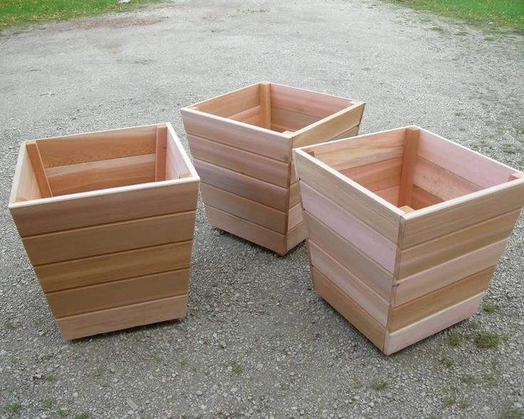 Red Cedar Planters - for the hubs to make!  Perhaps incorporate a decorative copper band?