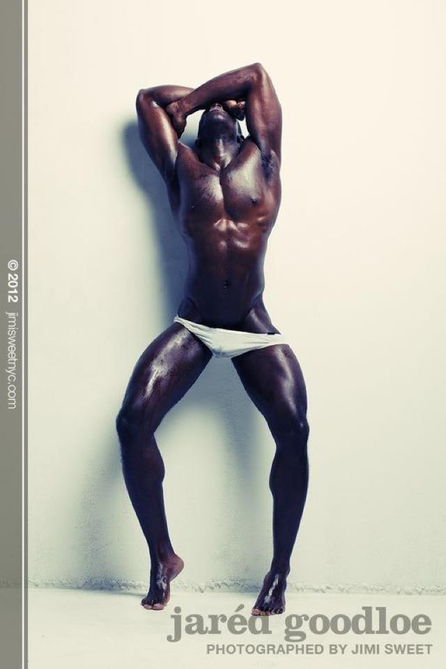 Sexy dark skinned men naked — img 3