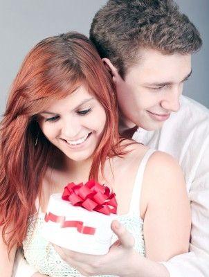 http://alisongraham.hubpages.com/hub/First-Wedding-Anniversary-Gift-Ideas