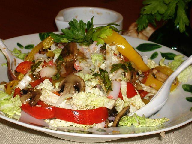 Салат со свежими шампиньонами диетический