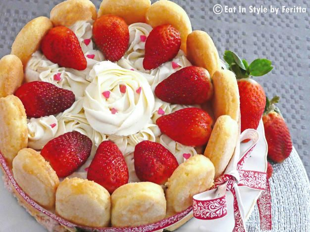 Easy Strawberry Charlotte - looks so impressive but it actually quite easy.